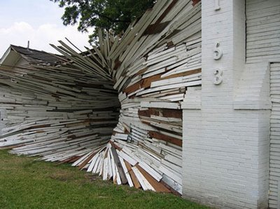 Tunnel Illusion House